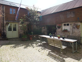 2746-courtyard -